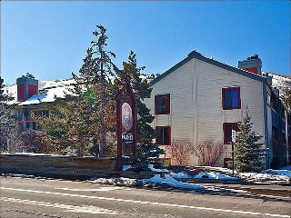 Beautifully Updated Condo - Convenient Downtown Location (25275) - Park City vacation rentals