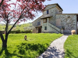 Bright 10 bedroom Villa in Collevalenza - Collevalenza vacation rentals