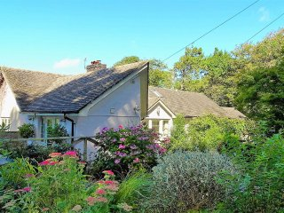 Sunny House in Newton Ferrers with DVD Player, sleeps 8 - Newton Ferrers vacation rentals