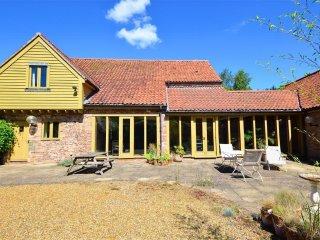 The Hay Barn (1553) - King's Lynn vacation rentals