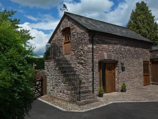 Lovely Cottage with Washing Machine and Television - Abergavenny vacation rentals