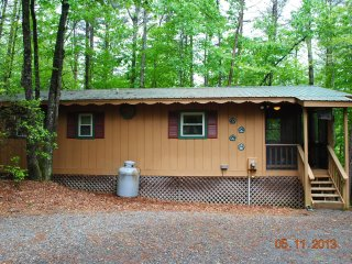 Bear Ridge Country Cottage Near Helen, GA. - Sautee Nacoochee vacation rentals