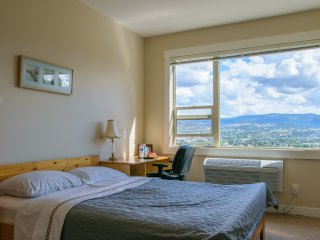 Bright, private and quiet room with excellent view - Kelowna vacation rentals