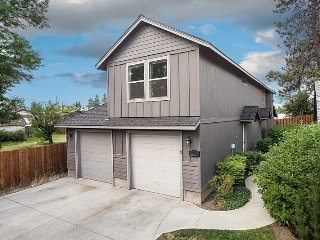 Bend Centrally located. 3 BR, 2 BA. Upstairs unit. Heyburn Street #2 - Bend vacation rentals