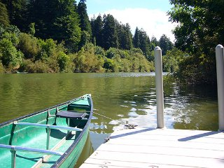 Lovely 2 bedroom Guerneville Cabin with Deck - Guerneville vacation rentals