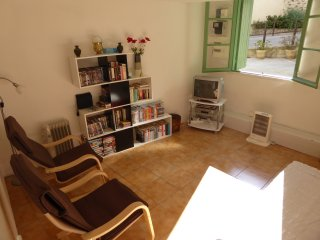 Lovely 2 bedroom House in St Gervais sur Mare - St Gervais sur Mare vacation rentals