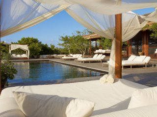 Luxury 11 bedroom Turks and Caicos villa. Private house! - Parrot Cay vacation rentals