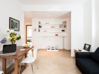 Cozy and Bright Apartment near the center of Rome - Rome vacation rentals