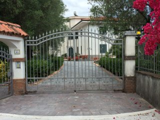 2 bedroom Villa with Internet Access in Policastro Bussentino - Policastro Bussentino vacation rentals