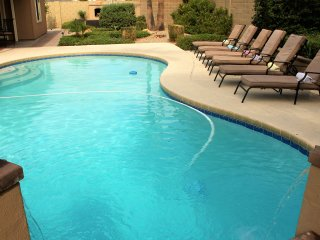 Private 4 BDRM Home-Minutes Walk to Shop/Dine/Golf - Scottsdale vacation rentals