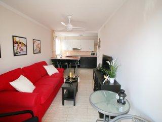 2 bedroomed apartment in Playa San Juan, sleeps 6 - Playa San Juan vacation rentals