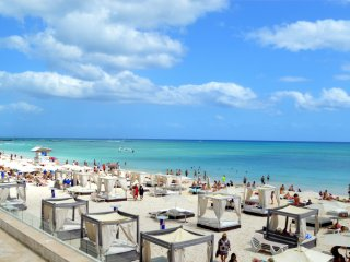Centric 2 Bedroom Condo Playa del Carmen/5th ave - Playa del Carmen vacation rentals