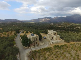 Huge-view villa, sunsets, sunrises, Smart TV-Wi-Fi - Panormo vacation rentals