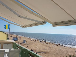 Appart. Standing, Front de mer - Residence MC - Chatelaillon-Plage vacation rentals