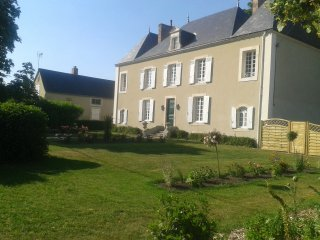 4 bedroom House with Internet Access in Sellé-le-Guillaume - Sellé-le-Guillaume vacation rentals