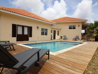 3 bedroom villa with amazing view and nice breeze at Jan Sofat - Willemstad vacation rentals