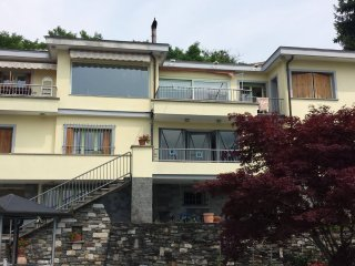 Bright 4 bedroom Bed and Breakfast in Omegna with Shared Outdoor Pool - Omegna vacation rentals