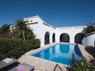 Finca El Hogar, fabulous traditional casa sleeps 8 - L'Alfas del Pi vacation rentals