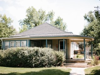 Bungalow close to downtown, Sleeps 8 - Colorado Springs vacation rentals