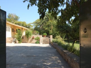 Uniquely different, spacious, private pool, garden - Achinos vacation rentals