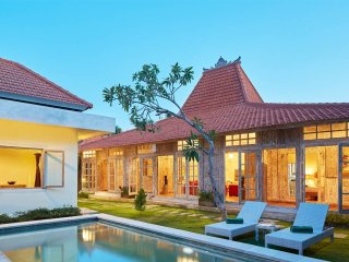 3BR Villa 2 Seminyak, 18Min walk to the beach - Seminyak vacation rentals