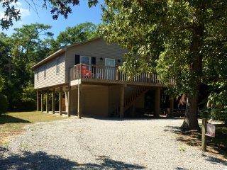Nice 3 bedroom House in Oak Island with Deck - Oak Island vacation rentals