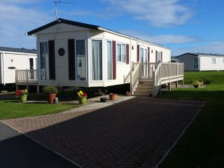 Lovely Caravan/mobile home with Satellite Or Cable TV and Television - Whitley Bay vacation rentals