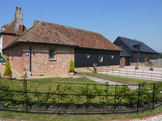 The Granary at Yockletts Farm selfcatering cottage - Canterbury vacation rentals