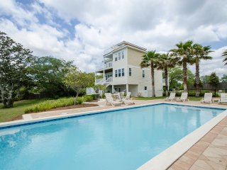 Unique Navarre Sound-Front Home - Great Amenities! - Mary Esther vacation rentals