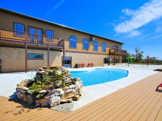 Beautiful 2br*Memory Maker (24-4)*Condos~Silver $ City~ INDOOR POOL-Branson-Lake - Indian Point vacation rentals