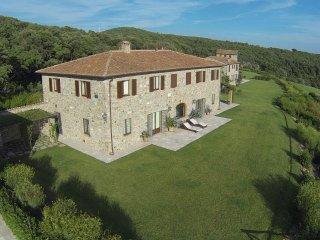 Perfect 5 bedroom Villa in Riparbella - Riparbella vacation rentals
