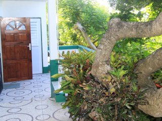 Cozy Condo with Mountain Views and Microwave - Castries vacation rentals