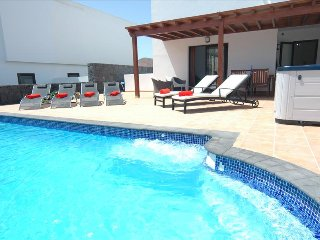 Lovely Villa with Internet Access and Mountain Views - La Geria vacation rentals