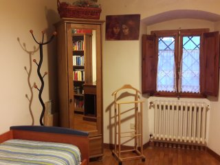Comfy single bedroom, parking, near Florence - Lastra a Signa vacation rentals
