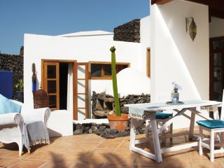 FincaCREATIVA HIBISCO Holiday in historical FINCA - Uga vacation rentals