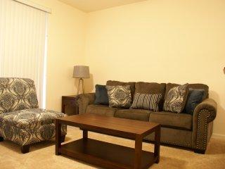 Modern 3-Bedroom Townhome Community Pool - Davenport vacation rentals