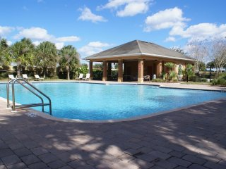 3-Bedroom Townhome with Community Pool & Garage - Davenport vacation rentals