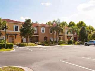 3-Bedroom Townhouse with Community Pool & Jacuzzi - Four Corners vacation rentals
