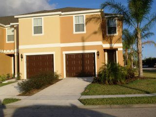 3-Bedroom Townhome with Community Pool & Jacuzzi - Davenport vacation rentals