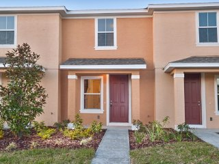 2-Bedroom Townhome with Community Pool & Porch - Davenport vacation rentals