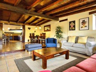 Casa Amaia, tu hogar en la Geria - Masdache vacation rentals
