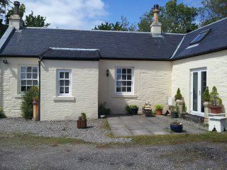 Charming 1 bedroom House in Dunoon with Internet Access - Dunoon vacation rentals
