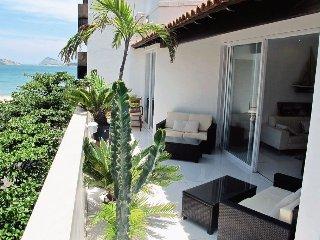 Ipanema Beach Block Penthouse 3 bed - Rio de Janeiro vacation rentals