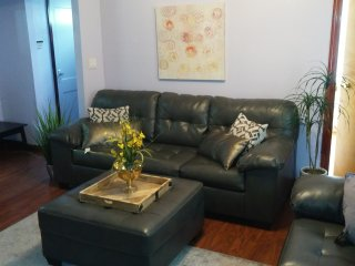 2Floor 4Bedroom 2Bathroom NYC Luxury Palace - Rosedale vacation rentals