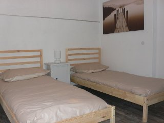 Camera 2 letti singoli in appartamento. - Malonno vacation rentals