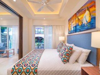 V LUXURY CONDO LOS MUERTOS BEACH SUITE 101 - Puerto Vallarta vacation rentals