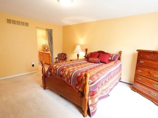 Rochelle Manor: First Class Living in Luxury - Rochester Hills vacation rentals