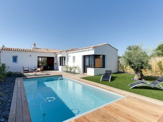 Charming new house with a pool - Rivedoux-Plage vacation rentals