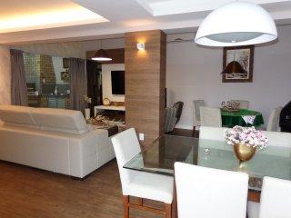 Maravilhosa casa 4 q, 4 wc, ar split, Wi-Fi - Ingleses vacation rentals