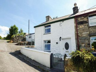 LUSCINIA, end-terrace pet-friendly, WiFi,  enclosed patio, Llanberis, Ref 928691 - Llanberis vacation rentals